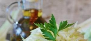 Kapustový šalát s uhorkami